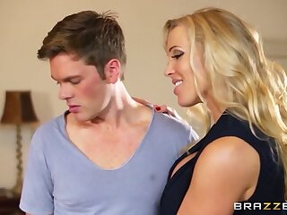 Moms approximately control: Mia added to the MILF. Mia Malkova, Rebecca Moore, Ryan Ryder